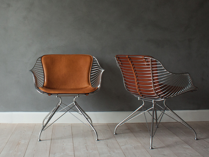 OvergaardAndDyrman_Wire_Bar_Stool_Yellowstone_Whiskey_Leather_Semi_Satin_Chrome_Steel2